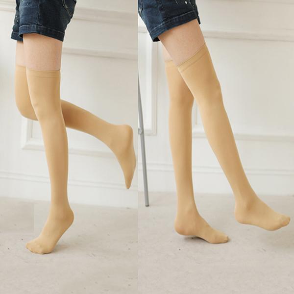 Sexy girls in knee high socks